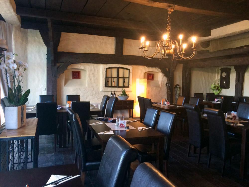 Restaurant-Schwarzes-Ross-Kaminzimmer-1