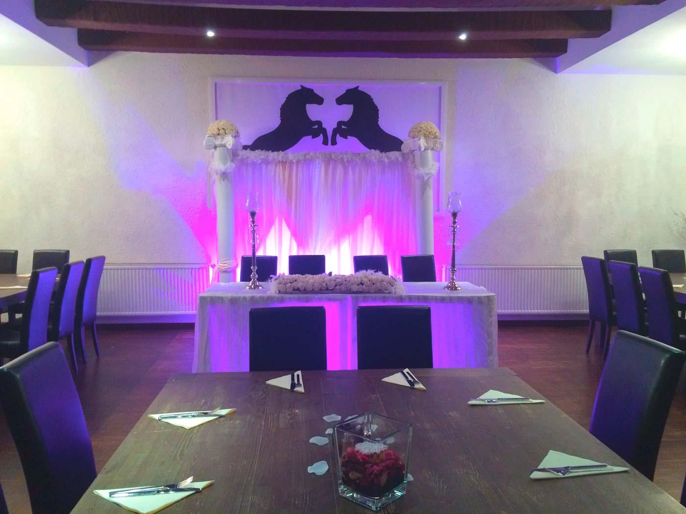 Hochzeitsfeier-Restaurant-Schwarzes-Ross